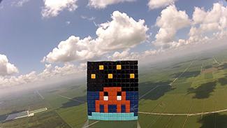 Invaders goes high | Art-Pie