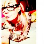 Girls, glasses and tattoos | Art-Pie