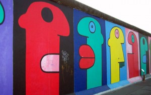 Thierry Noir's profiles | Art-Pie