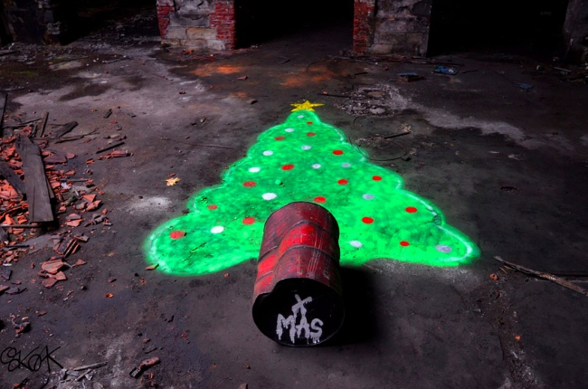 Christmas street art | Art-Pie