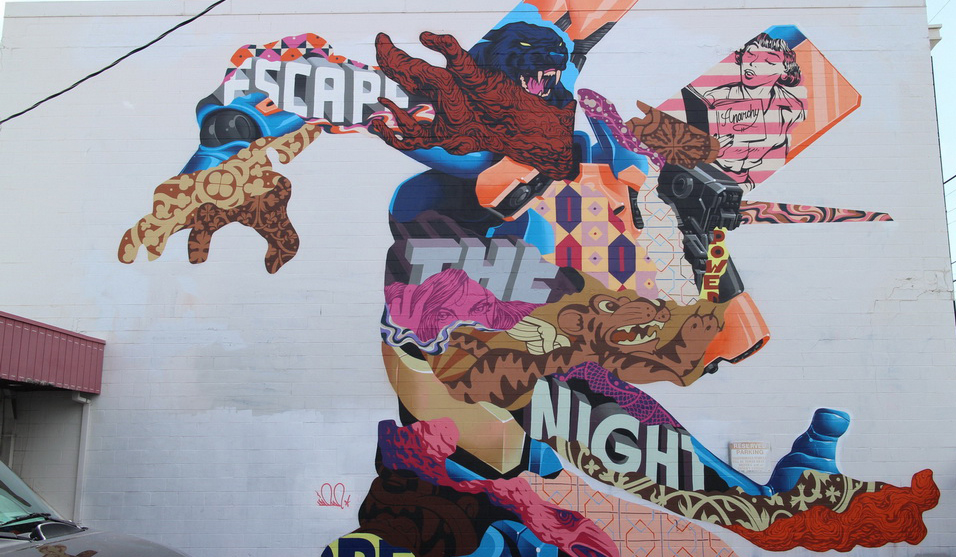 Night mural for POW! WOW! in Hawaii by Tristan Eaton | Art-Pie